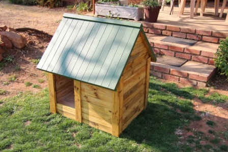 Medium Wooden Dog Kennel Dog House